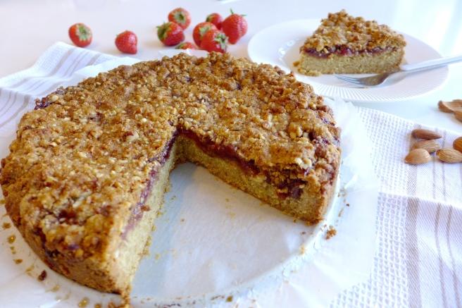 strawberry almond cake1.jpg