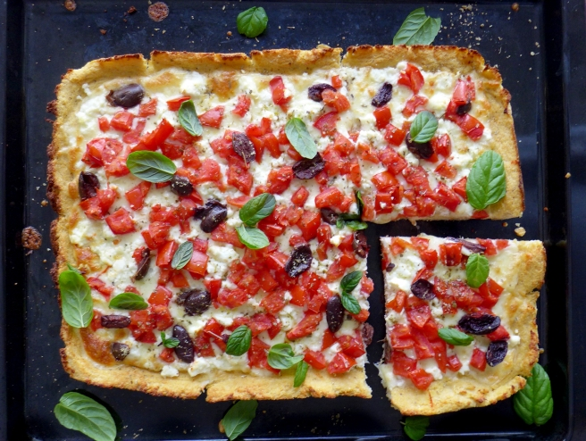 cauliflower crust pizza 3.jpg